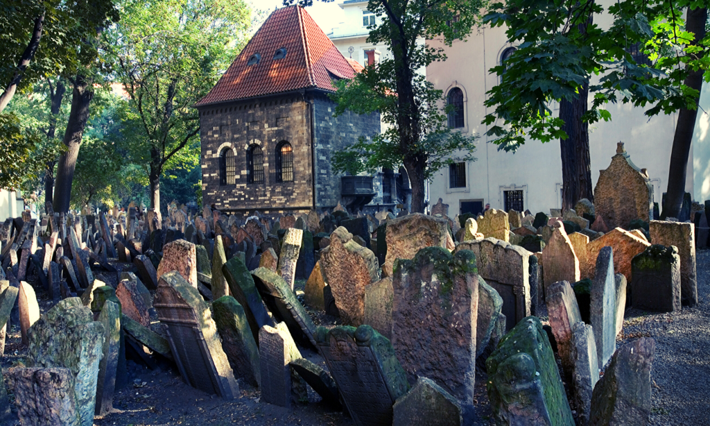 Old Jewish Quarter cemetry, prague