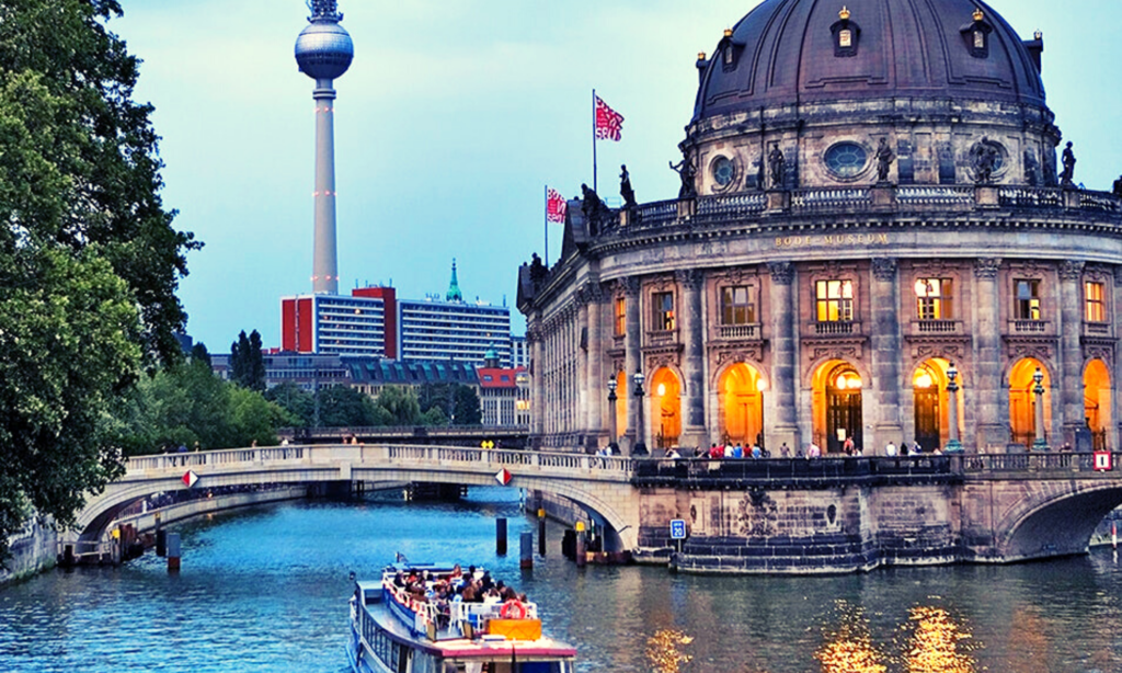 Boat Tour On Spree River, 3 days in Berlin